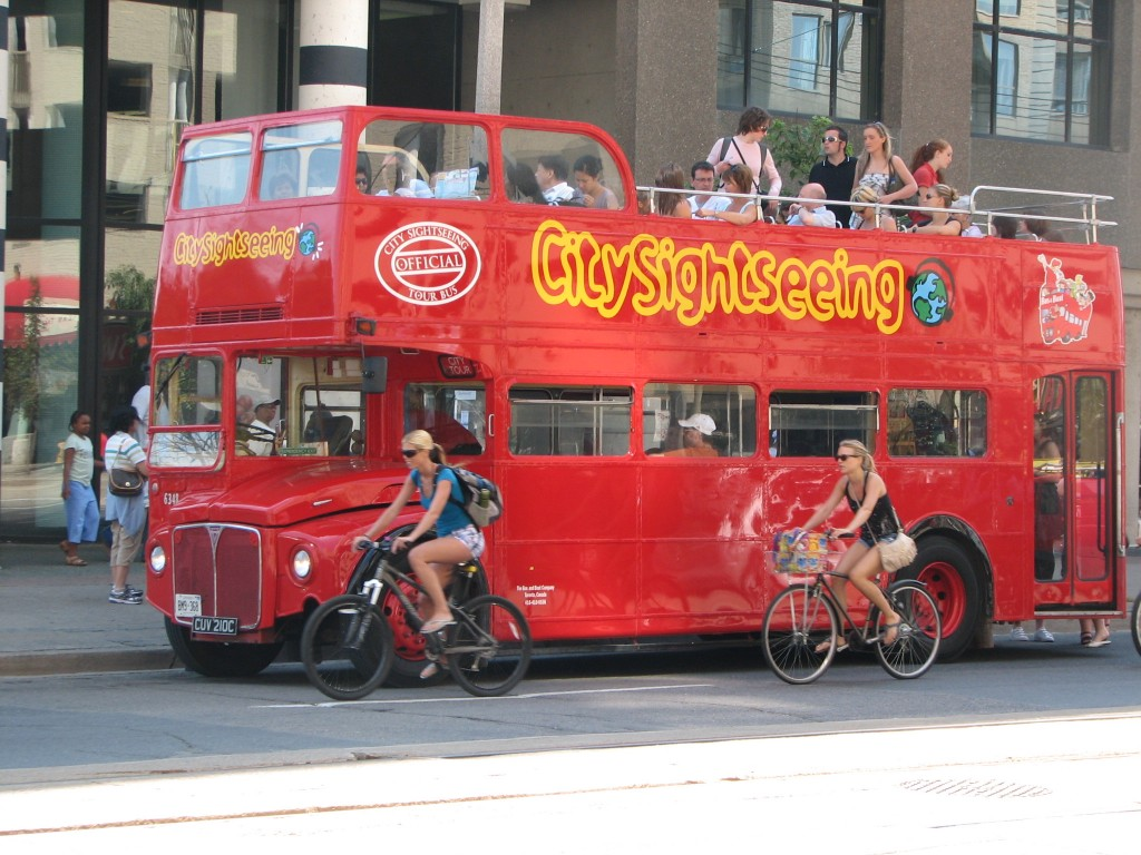 Harbourfront-City-Tour-Bus-Cyclists-JRM-0905091-1024x768